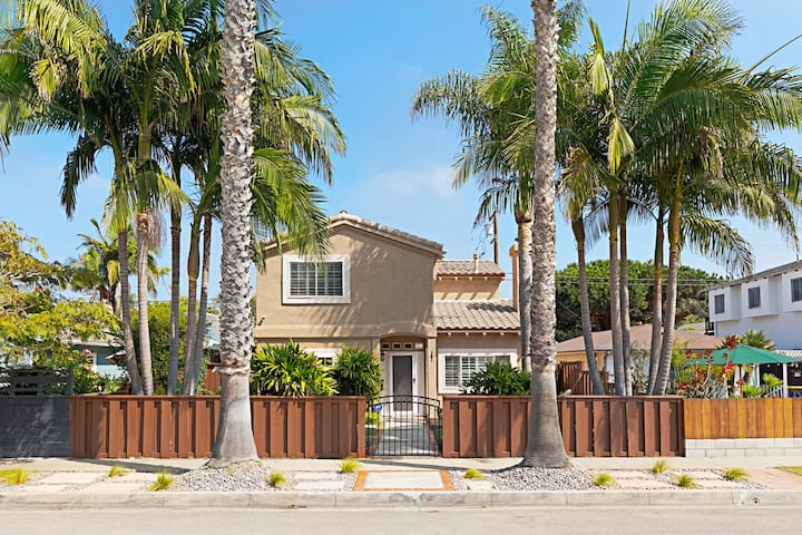Stone Steps Beach House in Encinitas - New listing