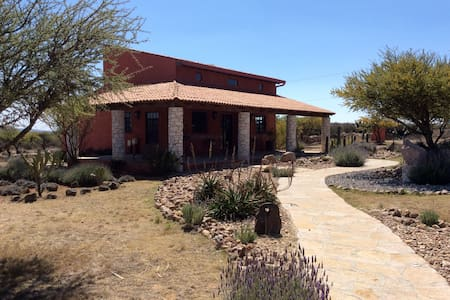 Romance in Pueblo Magico - Mineral de Pozos