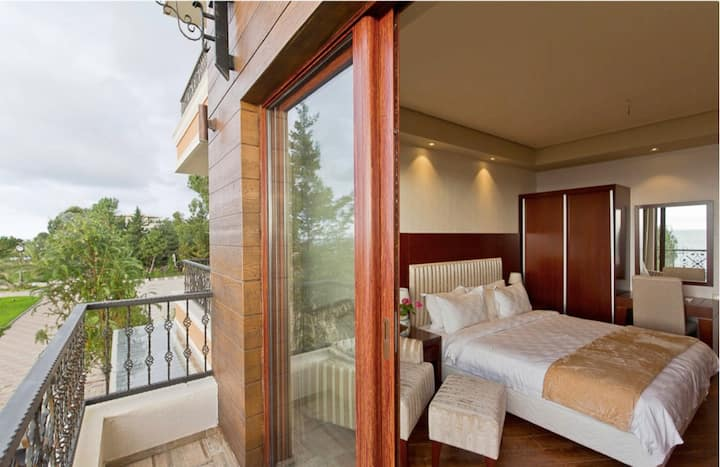 Lux apartment in oasis dreamland