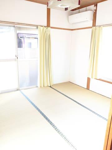 4.5畳の和室 ダイニングと隣り合っているのでリビングとしても利用できます。