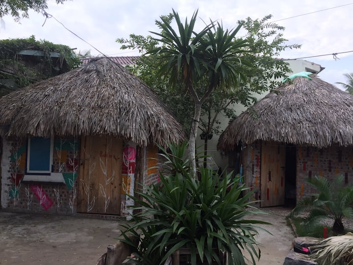 Cat Ba beach house private bungalow