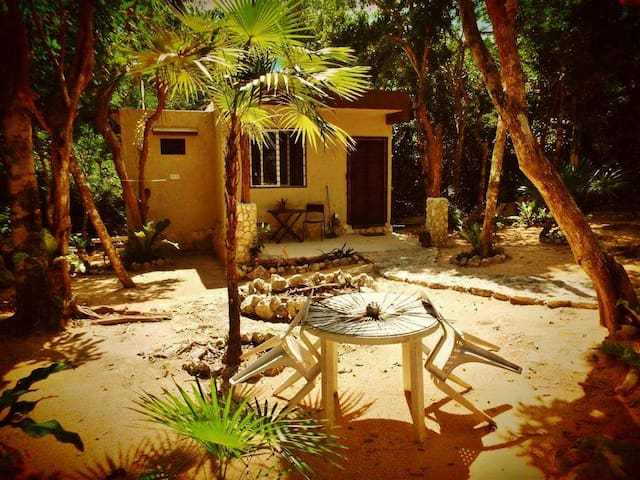 """Jungle Casita"" - Akumal - Bungalou"