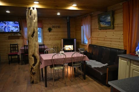 The house on the river 30 km from Murmansk AURORA