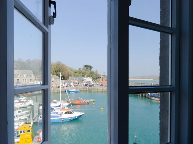 Harbourside at South Quay, Padstow. Parking inc. - Padstow - Lejlighed