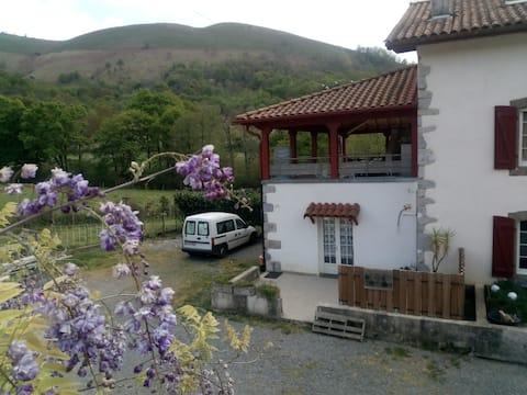 Chambre privée au coeur du Pays Basque