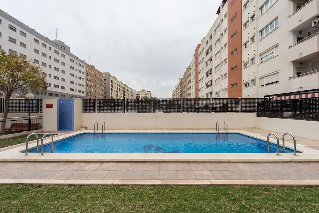 Apartamento con plaza de garaje apartments for rent in for Plaza garaje valencia