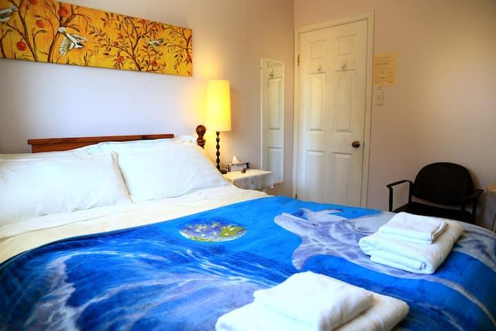 Downtown Queen bedroom