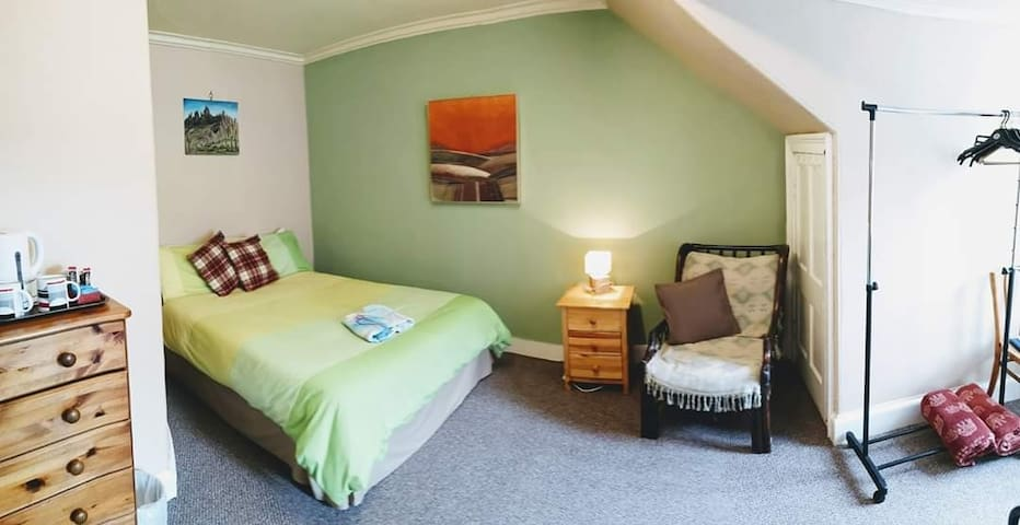 Double attic room in good vibe guesthouse