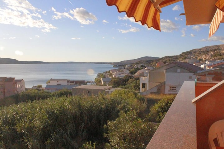One bedroom apartment with terrace and sea view Metajna, Pag (A-18237-b)