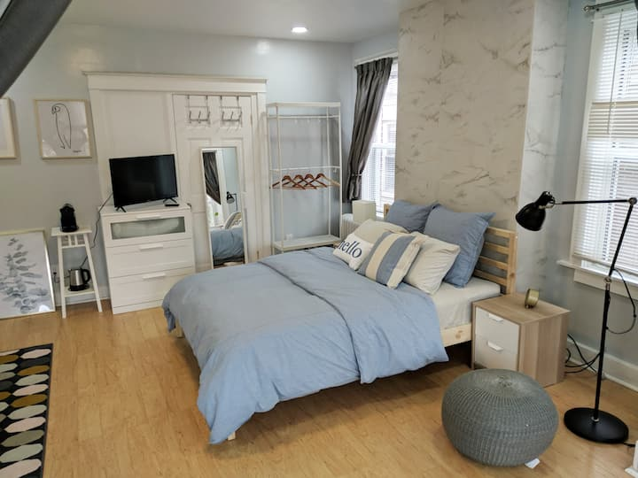 Lovely, cozy Beacon guest suite in Squirrel Hill