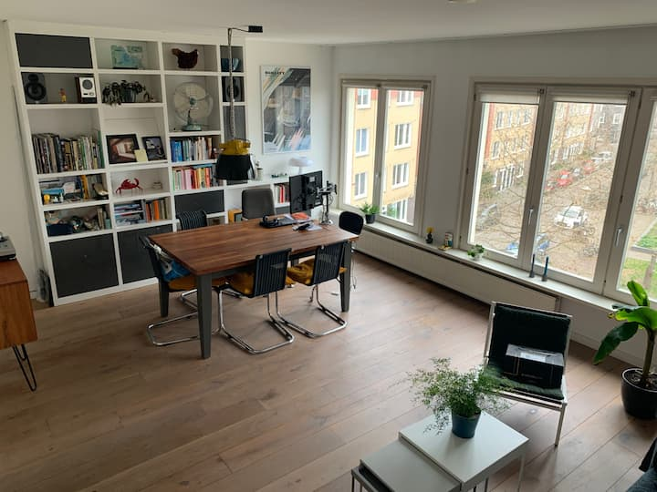 Spacious sunny apartment in lively Amsterdam Oost