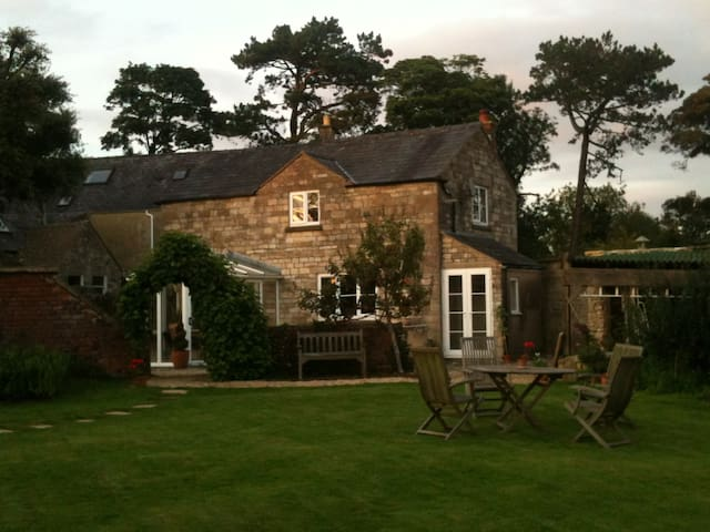 The Cottage, Windmill House. - Minchinhampton - House