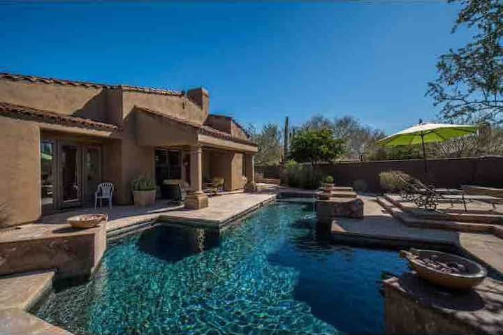 Luxury home, private pool, golf, great location!