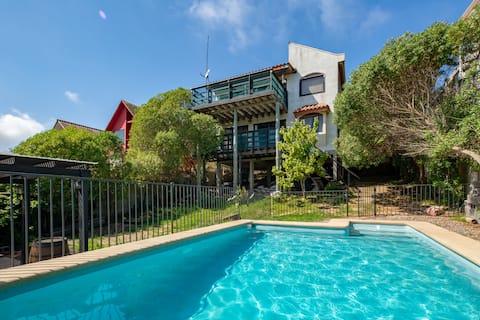 Linda casa com piscina em Punta de Tralca