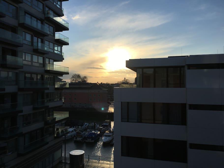 Blick aus dem Wohnzimmerfenster Richtung Marina