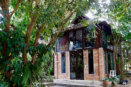 100-year-old converted Thai Rice Barn - Mueang Chiang Mai District - Casa
