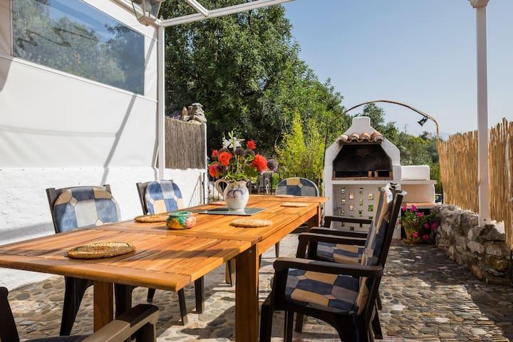 BBQ and al fresco eating terrace