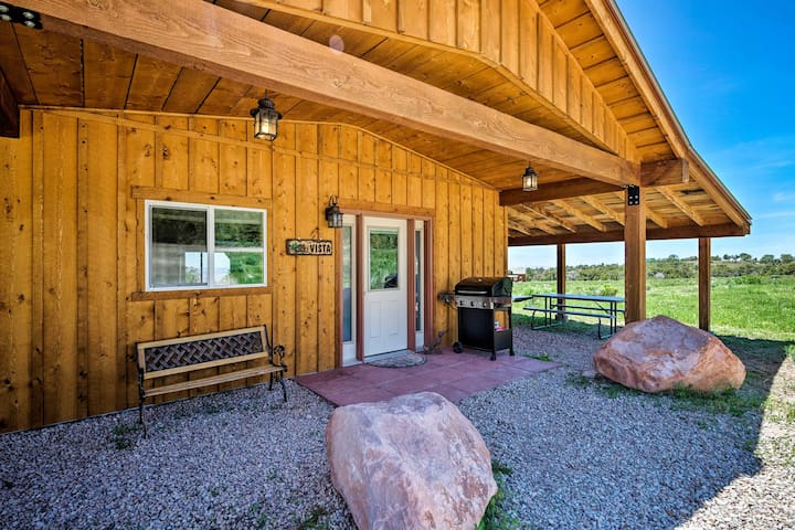 NEW! 5-Acre Moab Studio w/BBQ & Stunning Mtn Views