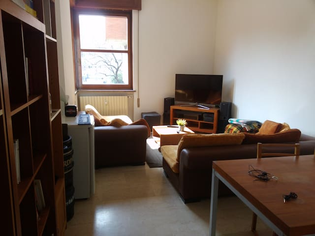 Big room in a flat just near train station!