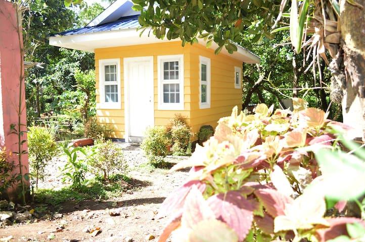 Madeline's Ville a Tiny Homes Enclave - Sunshine