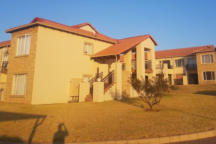 Private room in Randburg, 5 mins from The Dome