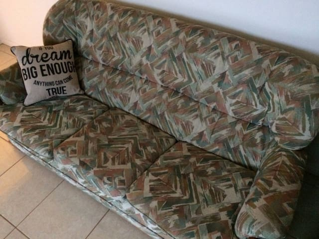 Couch with Sunrise/Sunset & Ocean Views in Burnie