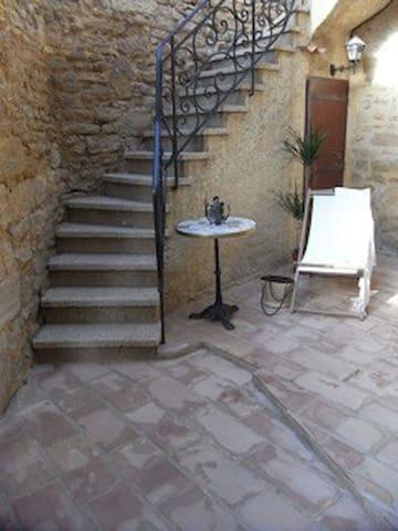 Location maison de village à Vers Pont Du Gard - Vers-Pont-du-Gard - บ้าน
