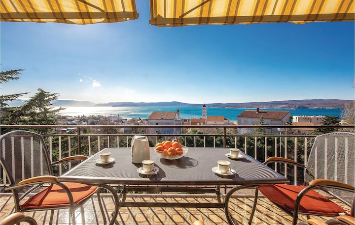 Stunning home in Crikvenica with WiFi and 3 Bedrooms