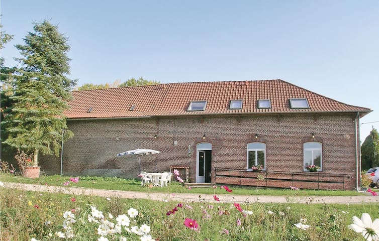 Holiday cottage with 3 bedrooms on 120m² in Richebourg