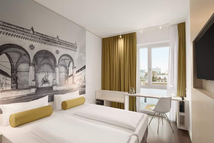 18 qm Zimmer in neueröffnetem Hotel (S8Aug)