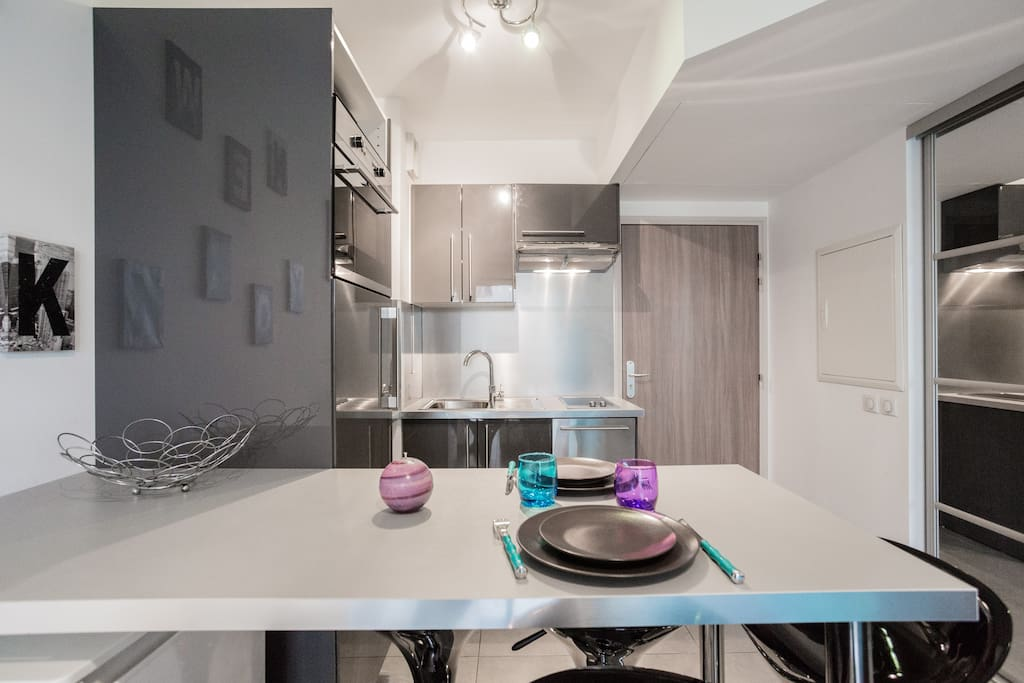 Appartement bien quip garage clim et balcon for Self garage aix en provence
