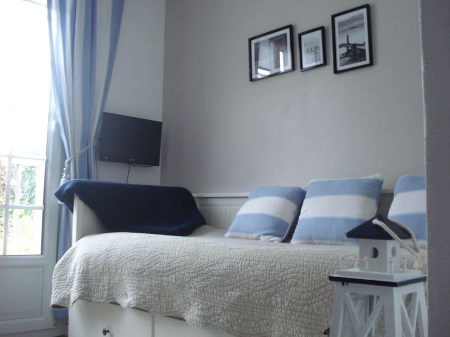 chambre bleu cuisine pt couronne rouen maisons louer rouen petit couronne haute. Black Bedroom Furniture Sets. Home Design Ideas