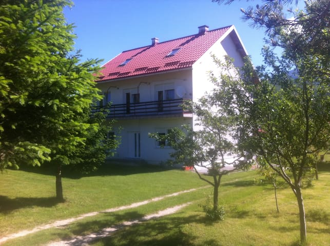 HOUSE SMILJANIC - ROOMS - Korenica - Huis