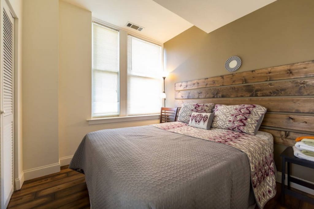 Trendy One Bedroom Downtown Walk Everywhere Apartments For Rent In Memphis Tennessee