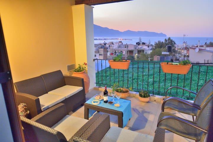 Erilia Home 3BD, Beach & Town Stay, Quiet Location