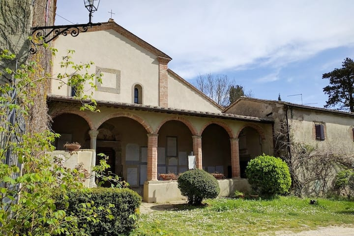 Apartment in former Tuscany countryside convent