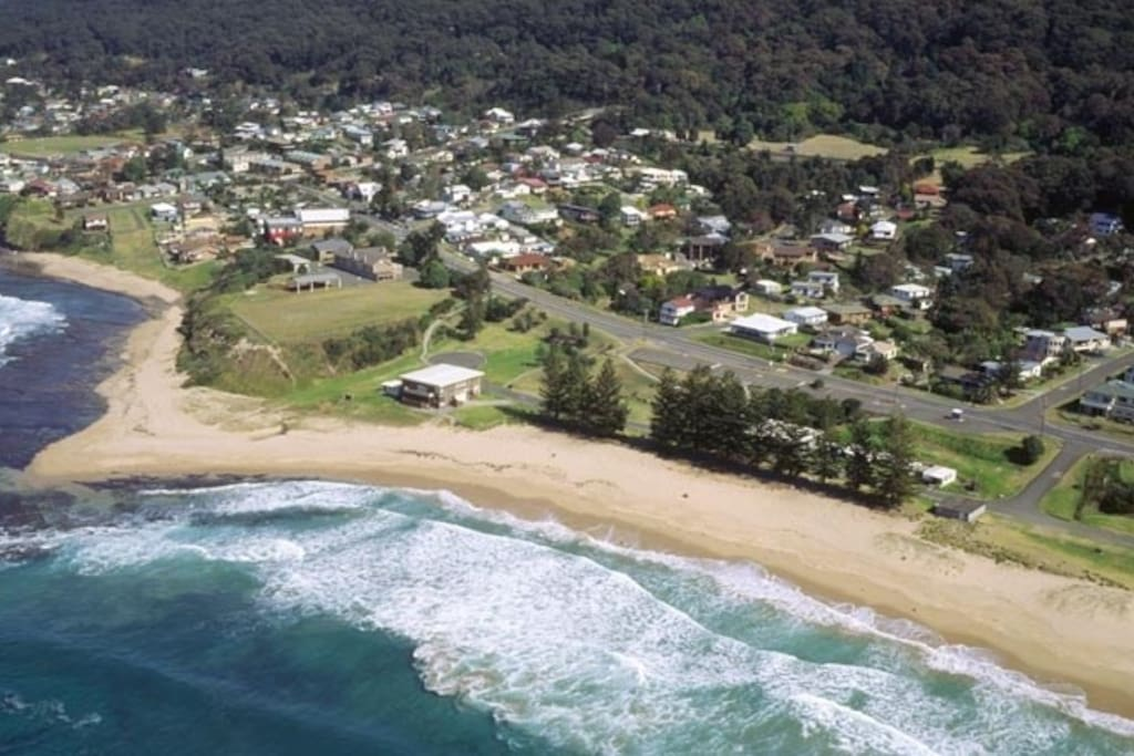 Coledale Beach - our street is the one opposite
