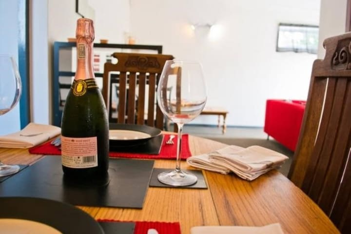 Wine Lovers, Foodies and Hikers Delight! - Cape Town - Daire