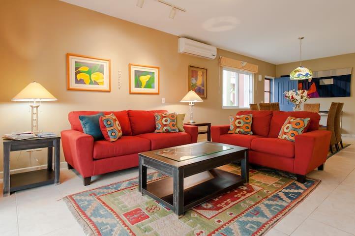 3 bedroom spacious condo Cozumel Mx