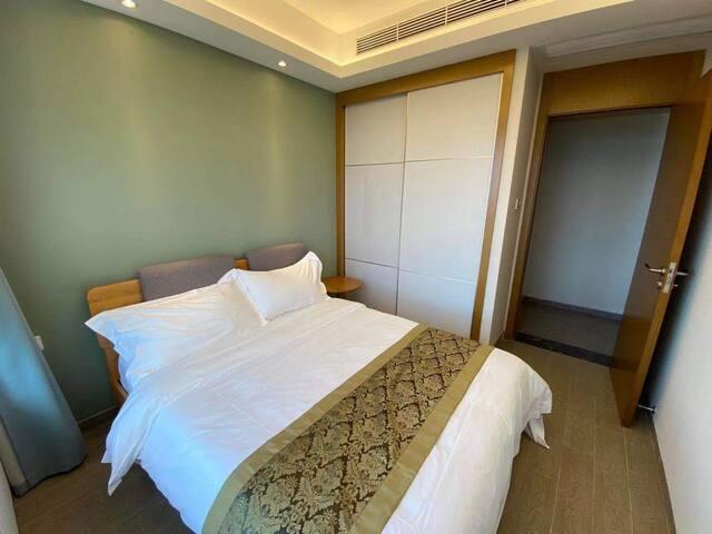 次卧,1.5米床,可供两人睡,观全海景