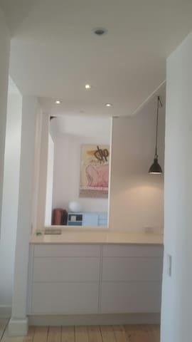 Lovely bright newly renovated apartment - Köpenhamn - Lägenhet