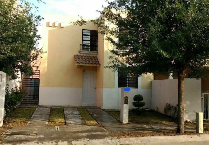 Casa completa en Sector Privado - Monterrey - Casa