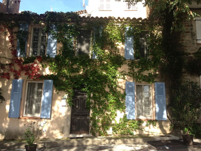Newly renovated village house golf of St Tropez - Gassin - Casa