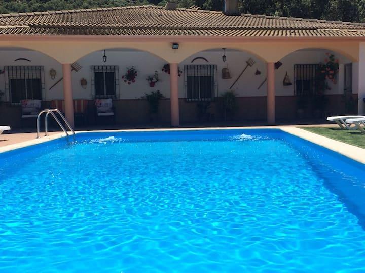 Villa la Quinta, alojamiento rural con piscina