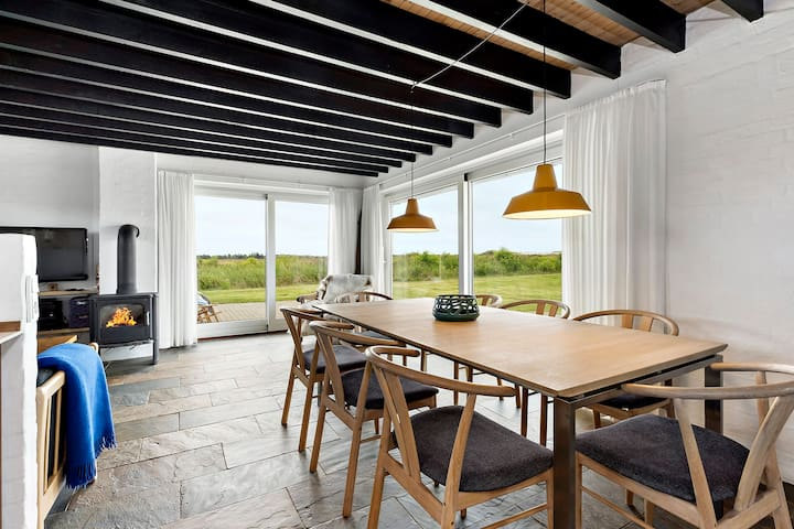 Holiday cottage with 4 bedrooms on 93m² in Skagen