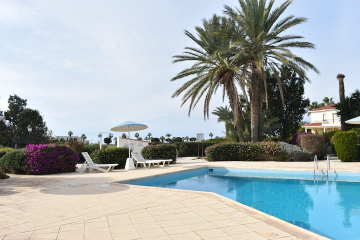 Newly furnished 1bed flat in Kato Paphos with pool