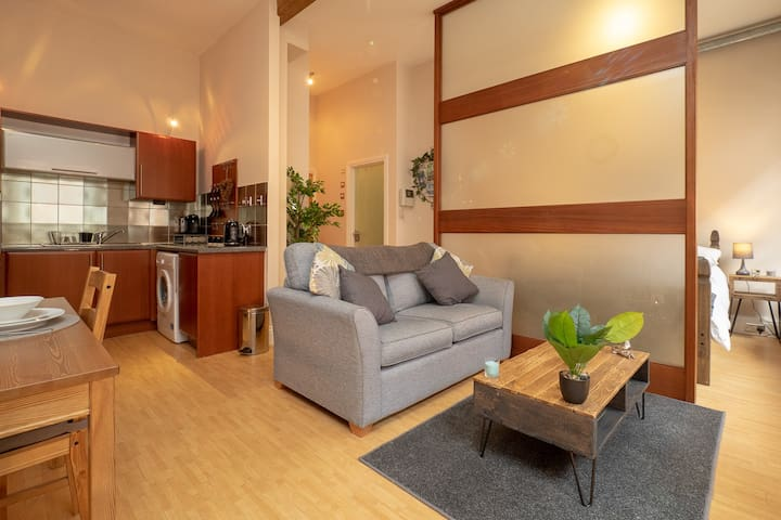Stylish & Comfortable Lace Market Studio Apartment