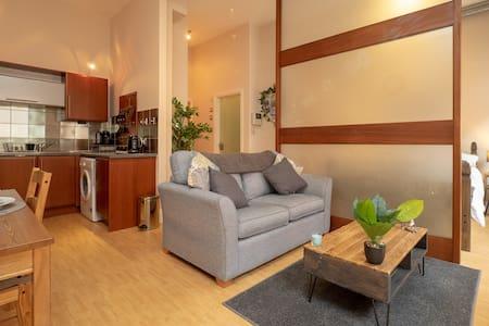 Stylish & Comfortable Lace Market Studio Apartment