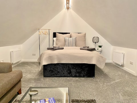 Stylish Studio Space in perfect location***