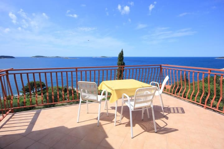 Studio flat with terrace and sea view Soline, Dubrovnik (AS-8825-a)